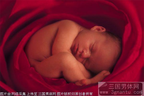 北京 裸体 李云迪/为艺术祼体献身的男人